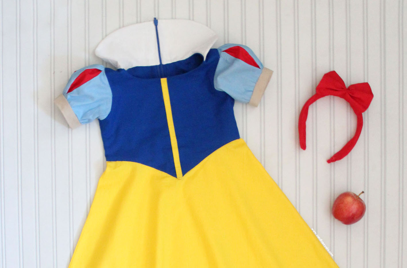 HOW TO MAKE SNOW WHITE SLEEVES